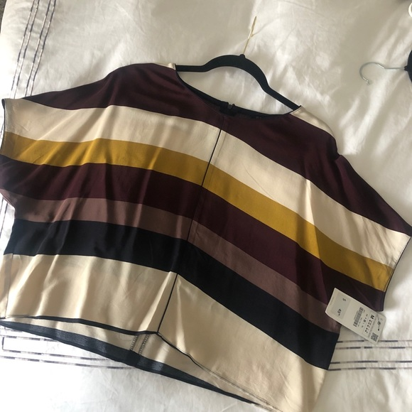 Zara top / never worn with tags